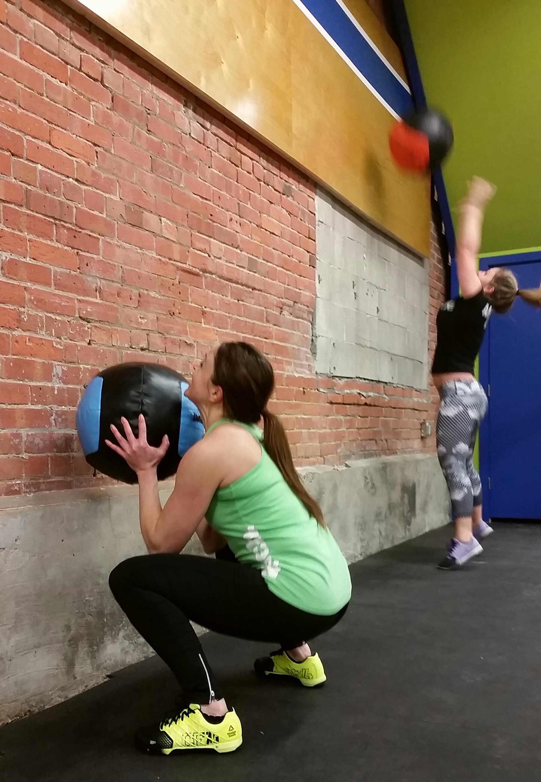 Crossfit wall balls