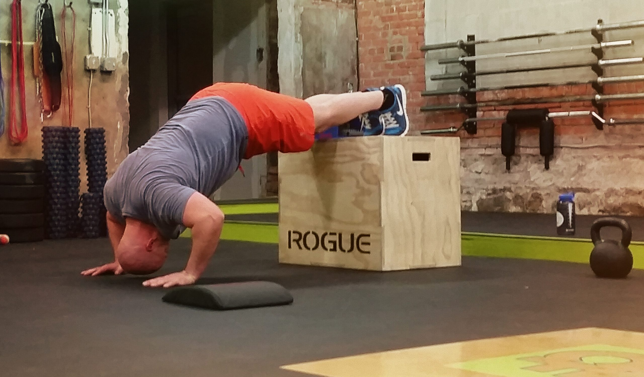 Crossfit modified hand stand push-ups