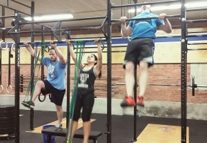 CrossFit chest to bar pull-ups