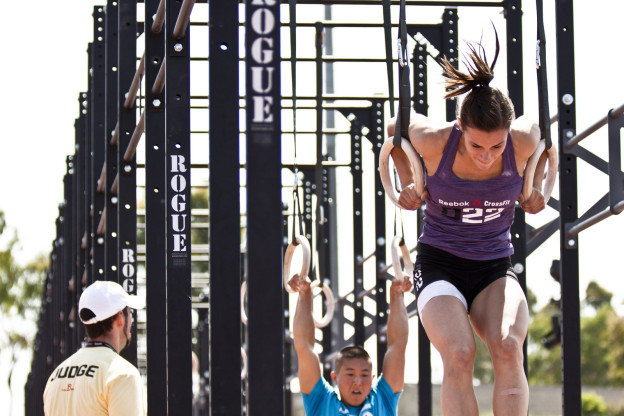 Julie Foucher Muscle Up
